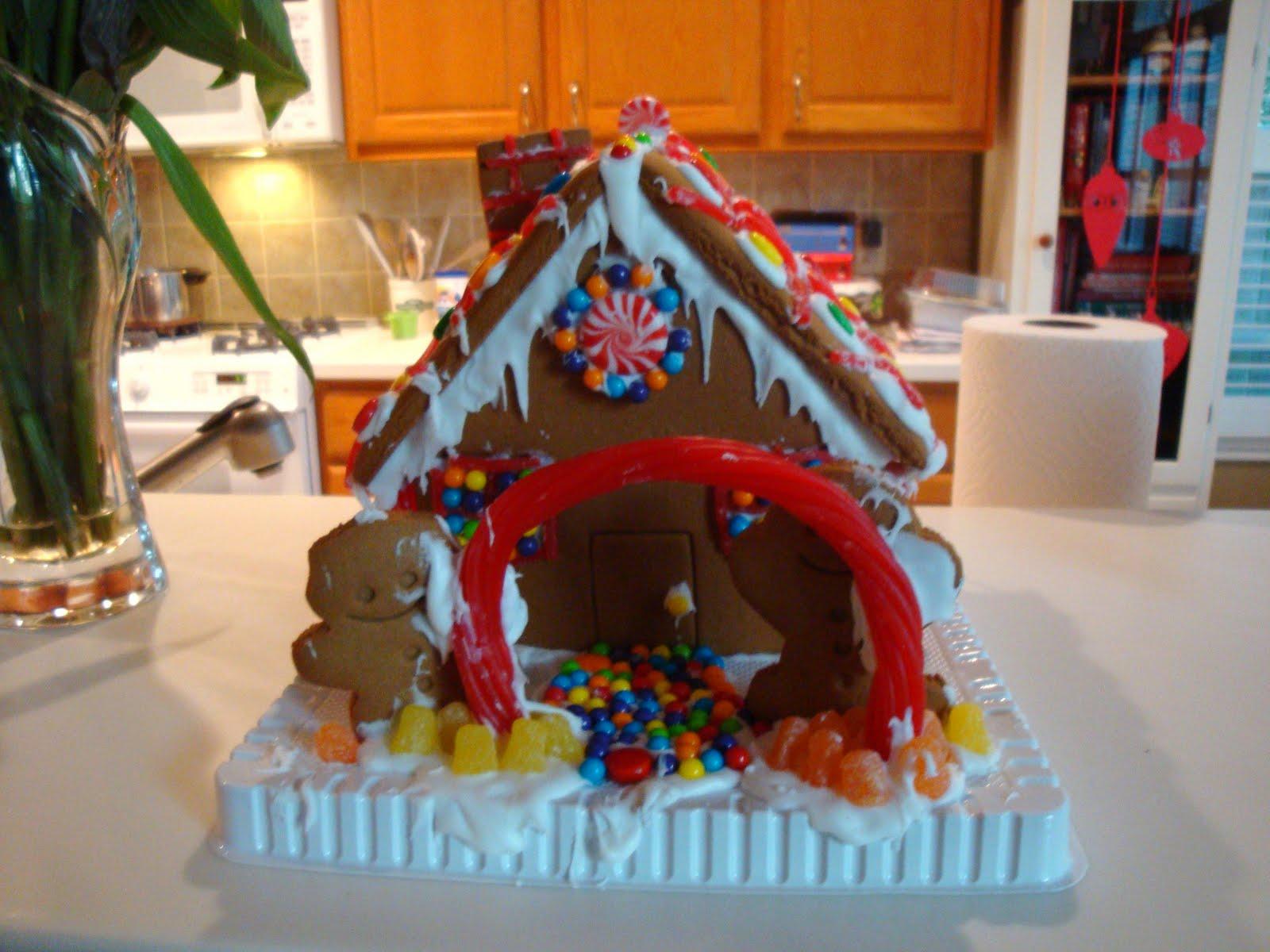 Penguinstamper The Official Gingerbread House Decorating