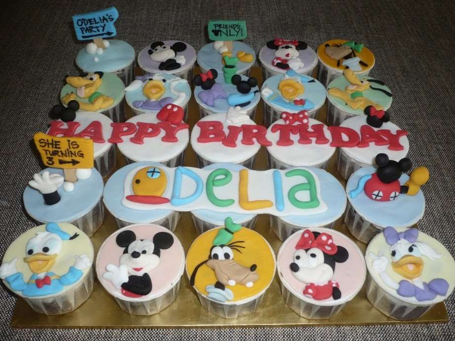 Mickey Mouse Clubhouse Cupcake