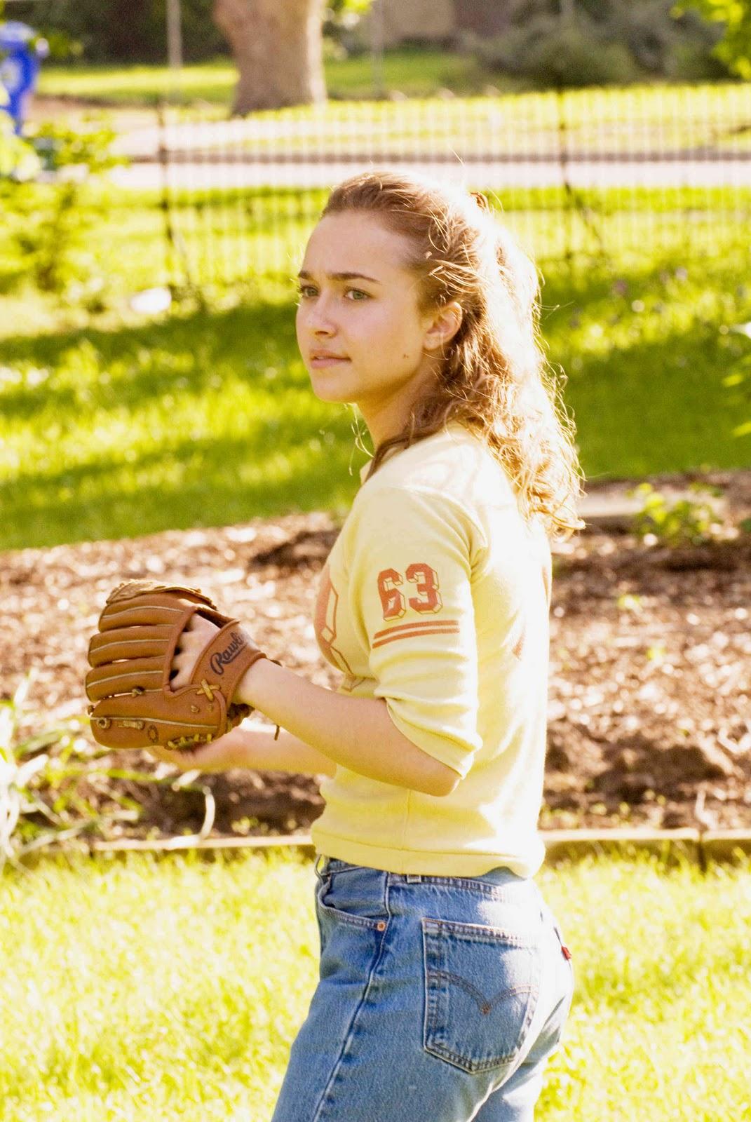 http://3.bp.blogspot.com/_YHubNjdqtIE/TIwzA2B6rVI/AAAAAAAAIjA/jEvze-v9bAQ/s1600/Hayden+Panettiere+baseball.jpg
