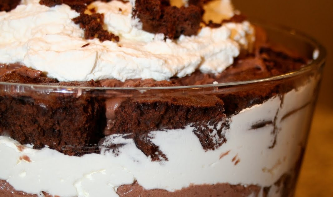 Amelia's Cookbook: Chocolate Mousse Trifle