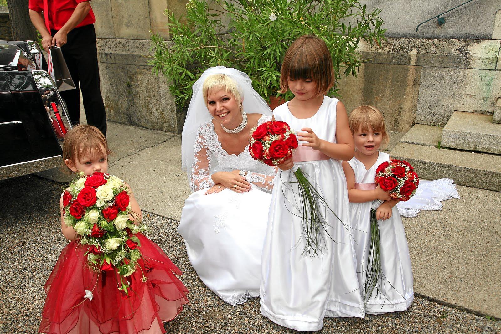 Liebenswert: Kinderkleid zur Hochzeit