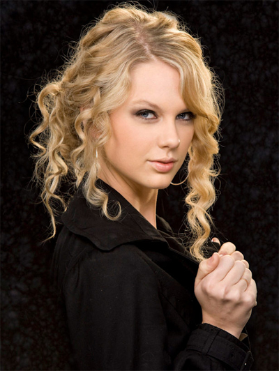taylor swift name font. Here's how Taylor Swift's hair