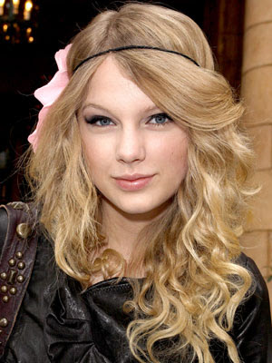 taylor swift haircut 2010