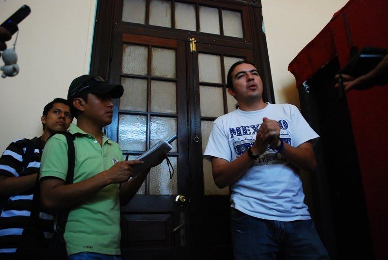 Claudia de guatemala abre su panocha dice hola - 3 4