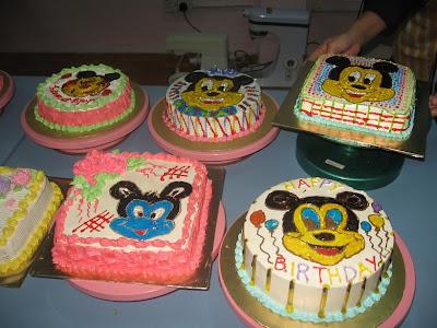 Kek kartun ni comel sekali, pasti anak-anak suka.