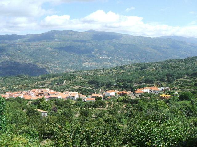 Casas del Castañar (El pueblo)