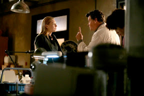 FRINGE: Walter (John Noble, R) and Olivia (Anna Torv, L) argue in the FRINGE episode The No-Brainer