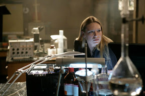 FRINGE: Olivia (Anna Torv) waits for lab results in the FRINGE episode The No-Brainer