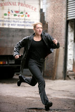 FRINGE: Olivia (Anna Torv) chases a suspect in the FRINGE episode Bound