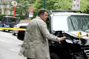 FRINGE: Walter (John Noble) surveys the scene of an accident in the FRINGE Season Two premiere episode 'A New Day in the Old Town' airing Thursday, September 17 (9:00-10:00 PM ET/PT) on FOX. ©2009 Fox Broadcasting Co. CR: Liane Hentscher/FOX