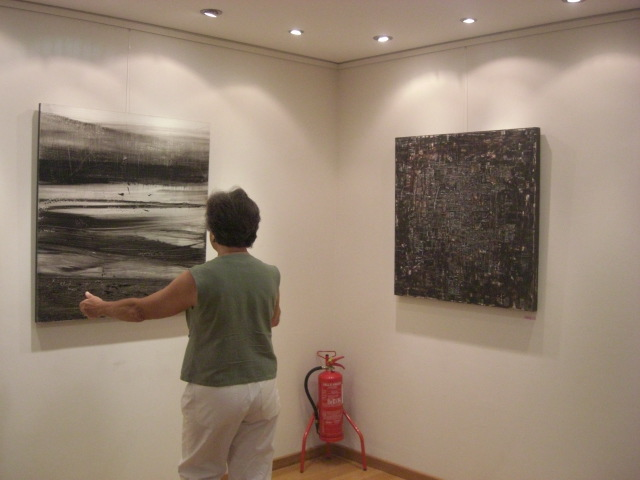 Teresa Cavaleiro with the last details