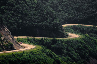 the most amazing 640 37 The Most Amazing Roads in the World (41 pics)