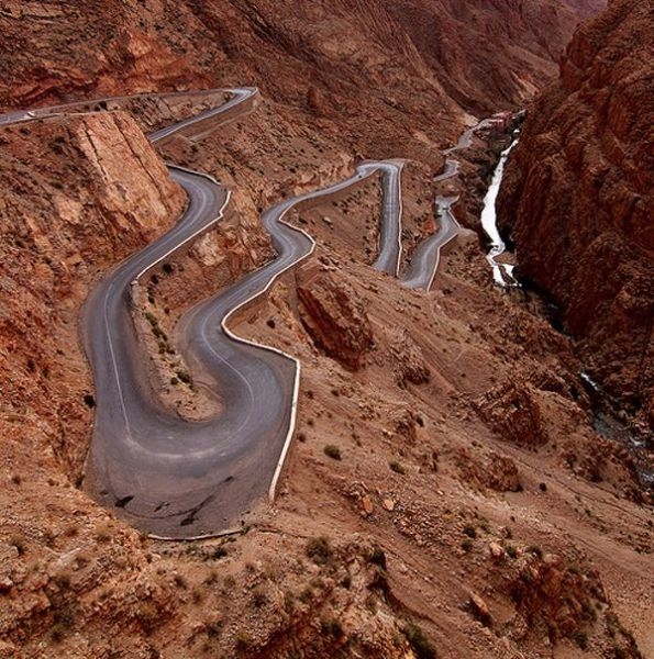 1 The Most Amazing Roads in the World (41 pics)