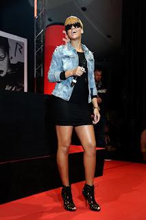 >Je veux la veste de Rihanna!