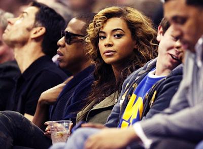 Beyonce en style Militaire Balmain