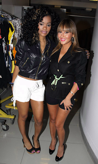 at3 >Teyana& Adrienne au Cavi fashion Show