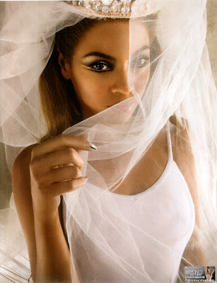 "03 Beyonce ""I Am… Tour Book"""