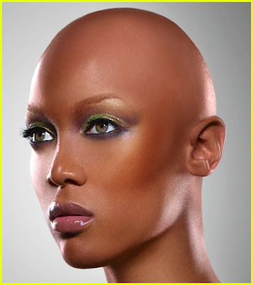 tyra-banks-bald Tyra Banks au naturel*
