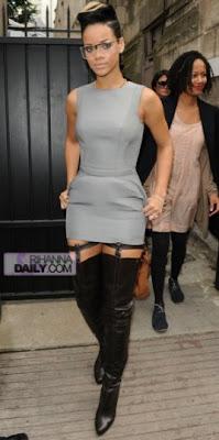 ri3 Rihanna: The Paris Fashion Week Queen