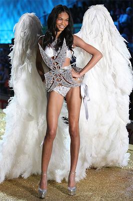 >The 2010 Victoria's Secret Fashion Show