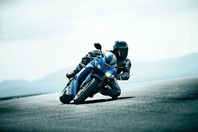 2010 Triumph Daytona 675 blue