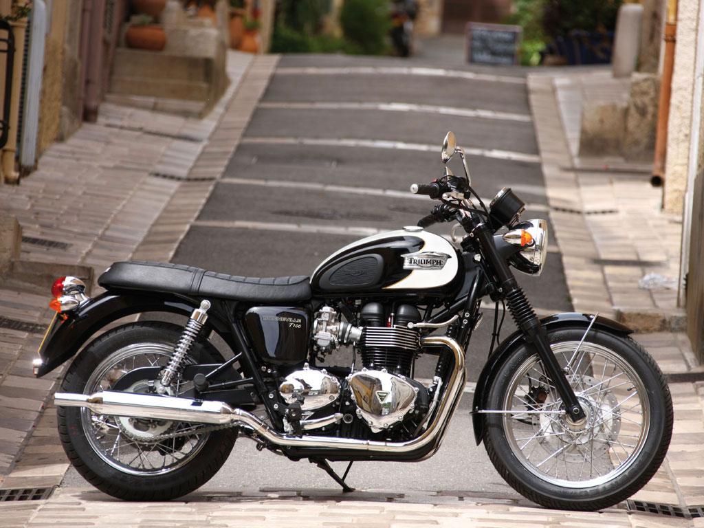 Top Motorcycle Amp Review 2010 Triumph Bonneville T100
