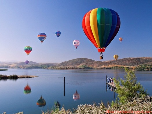on the water passes through air balloons wallpapers