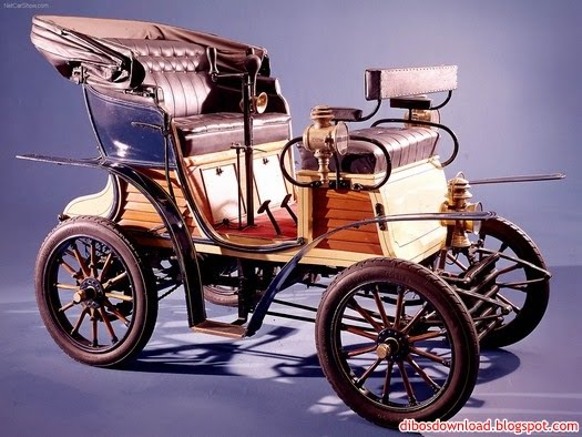 the first car produced by fiat