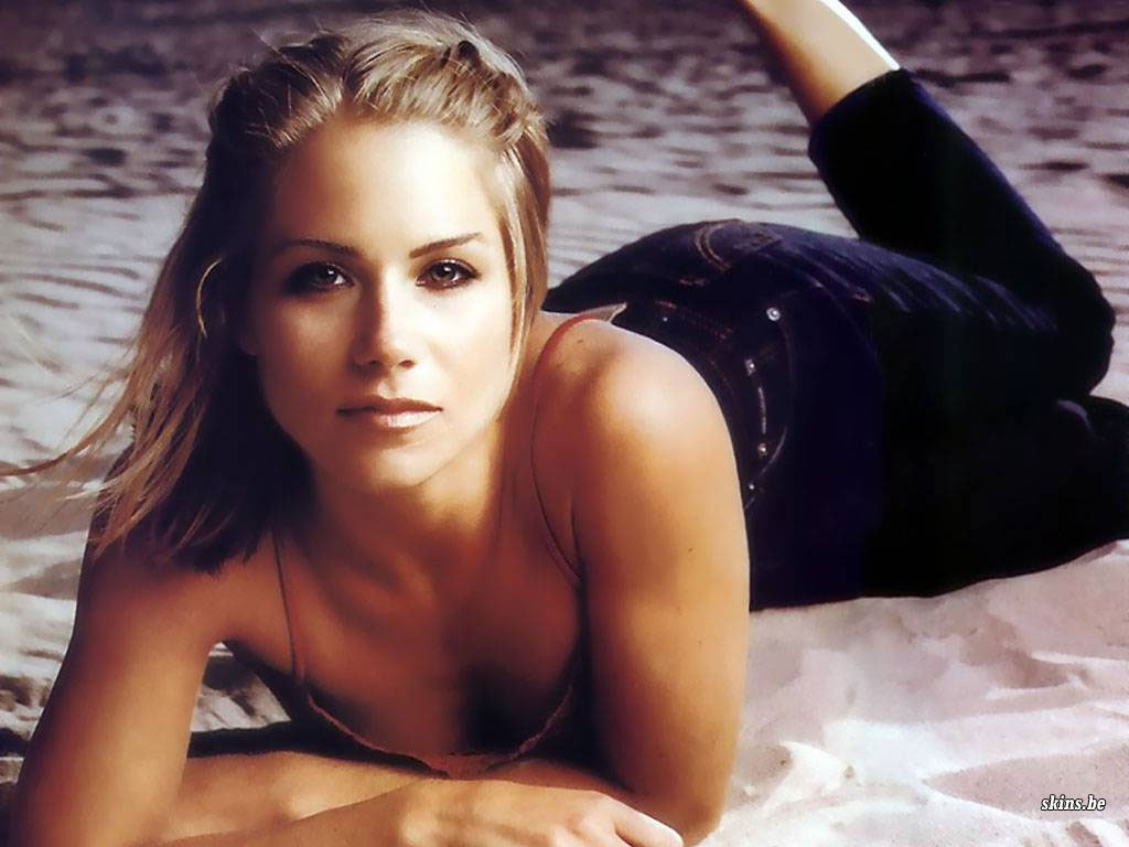 Tags: Christina Applegate Nudes, Christina Applegate Bikini, ...