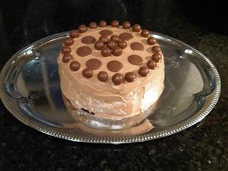 chocolate cake, hummingbird bakey, chocolate cupcakes, maltesers