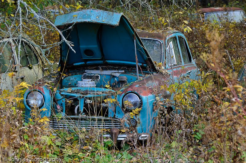 Cemetery | Old Rusty Cars