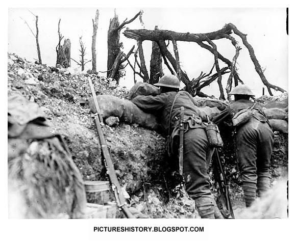 RARE, UNSEEN PICTURES: BE THERE: The First World War: Trench Warfare
