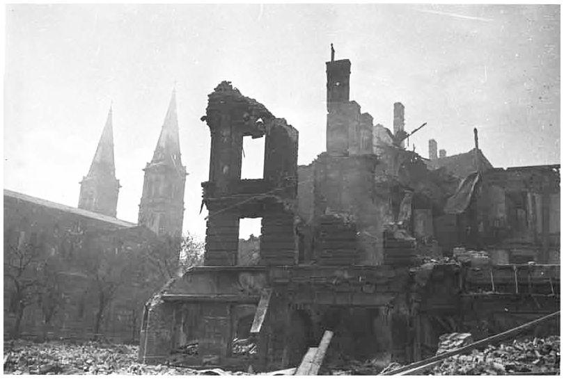 Compare and Contrast World War 1 & World War 2