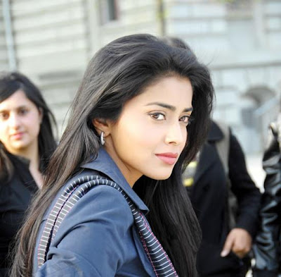 Shriya stills