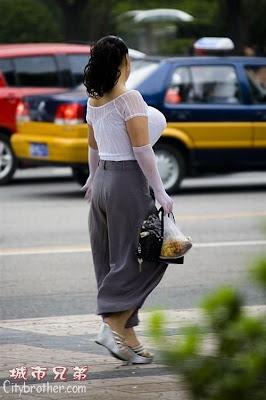 wanita dengan payudara terbesar di dunia   wikipedih ah
