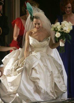 Borniilove sex and the city carrie vogue wedding dress by for Sarah jessica parker wedding dress