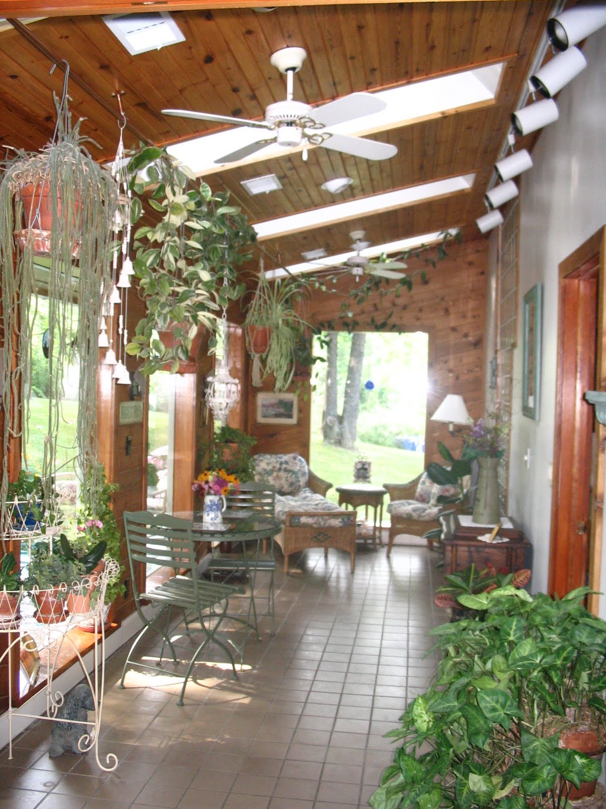 My shabby chateau parisian bistro meets tropical oasis for Garden room interior designs