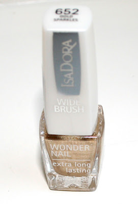 IsaDoraWonderNail1 Check out my recent acquiry for my collection of golden makeup!