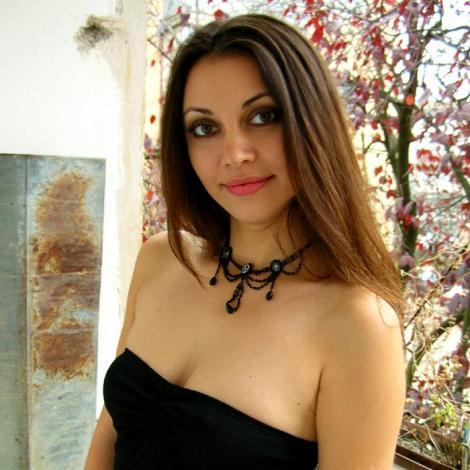romanian women features