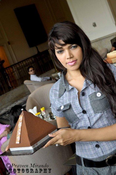 [Sri+Lankan+Celebrities.jpg]