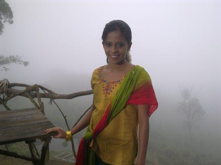 [Menaka-Maduwanthi.jpg]