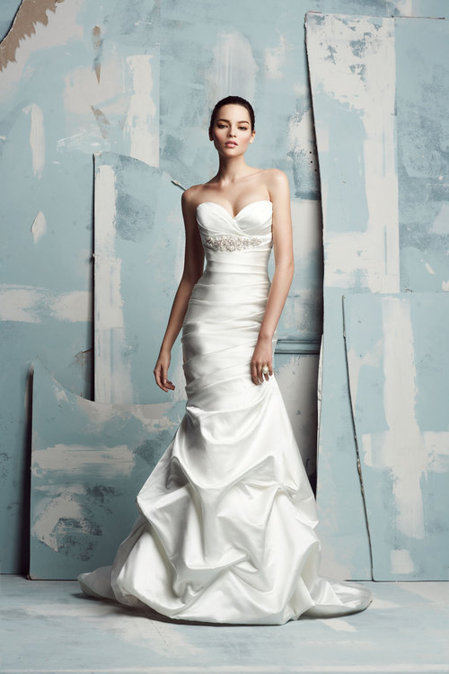 Wedding+Gowns+-+Paloma+Blanca+-+4111.jpg