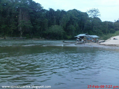 Floating Restaurant, Tembeling River