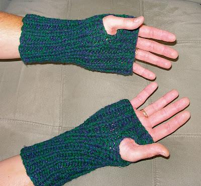 Knit Fingerless Glove Pattern – Free Pattern Cross Stitch
