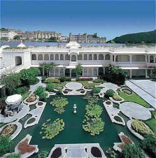 Hidup ala maharaja di Taj Lake Palace, Udaipur, India - www.jurukunci.net