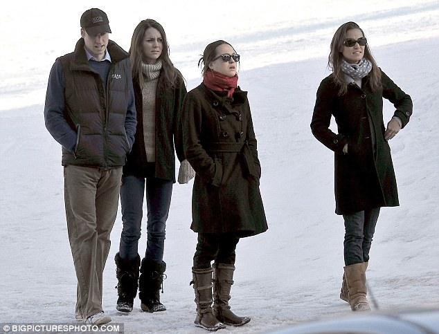 Pippa Middleton 2010:  ... joined by her sister Pippa Middleton (far right) and another friend