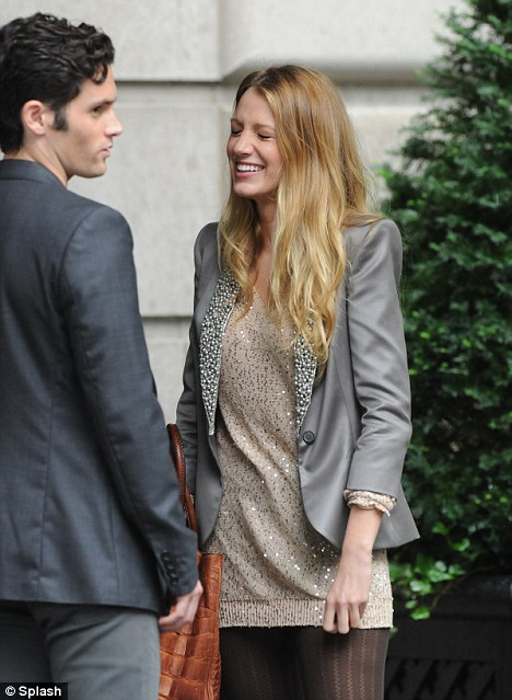 Are any of the gossip girl cast dating in real life #3