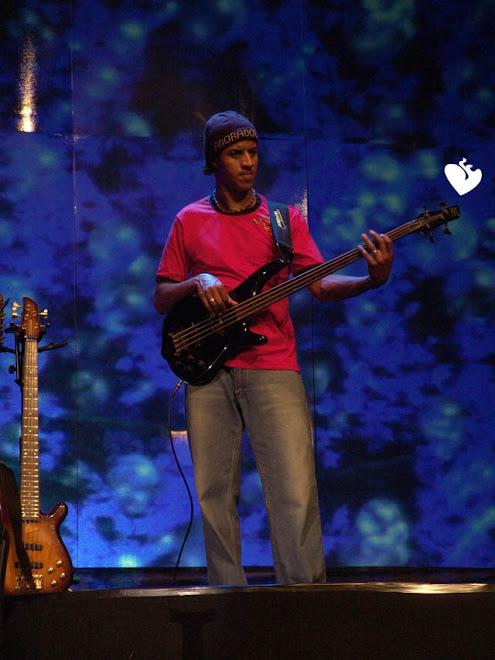 Imagens q representam groove - Página 4 Sanchez+Bass+(19)