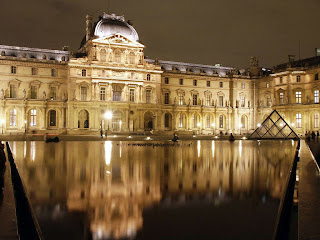 Louvre museum at Night wallpaper and photo