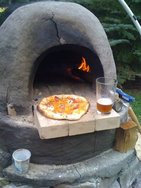 the cob oven project diy outdoor kitchen pizza oven. Black Bedroom Furniture Sets. Home Design Ideas